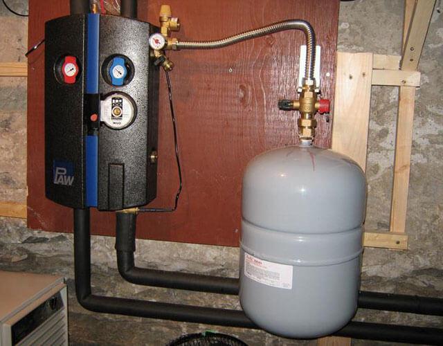 давление в расширительном бачке системы отопления
